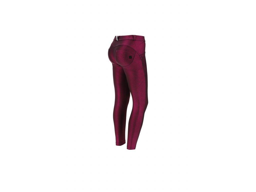 Freddy WR.UP kalhoty v metalické červené barvě, normální pas, skinny střih a 7/8 délka