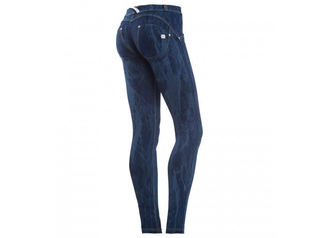 Freddy kalhoty vzorované v džínově tmavě modré