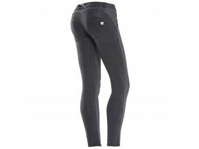 Freddy kalhoty v černé barvě, materiál kepr vpřed, bavlna vzad