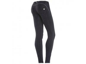 Freddy kalhoty v černé vzorované barvě, pruh