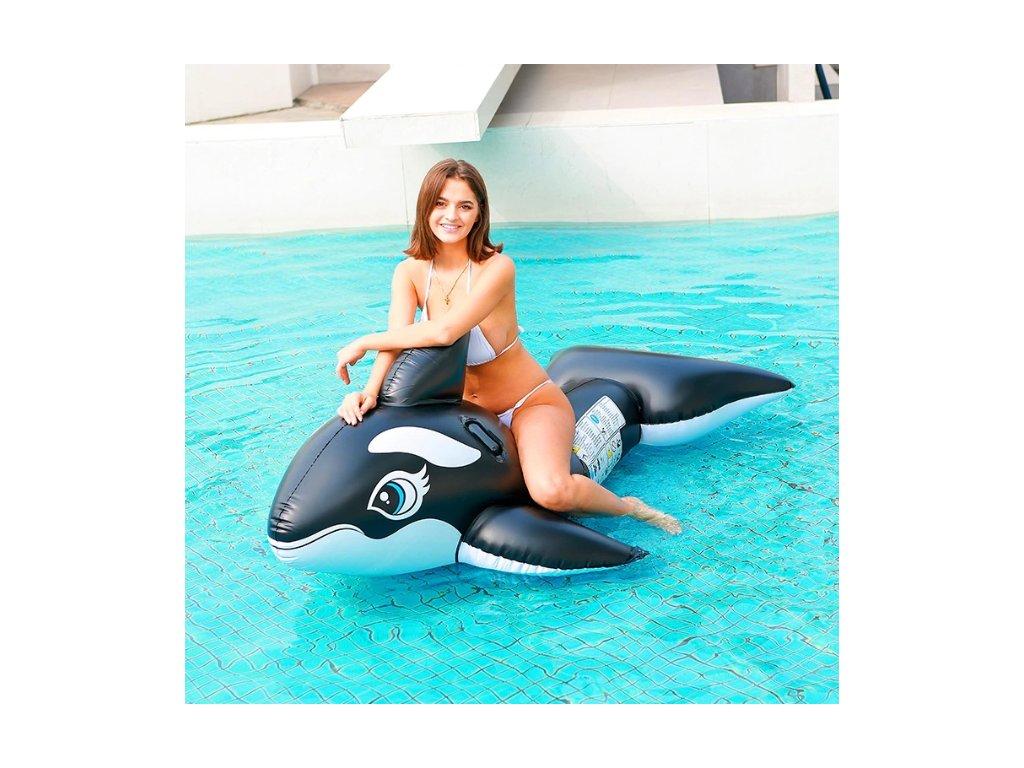 Nafukovací velryba