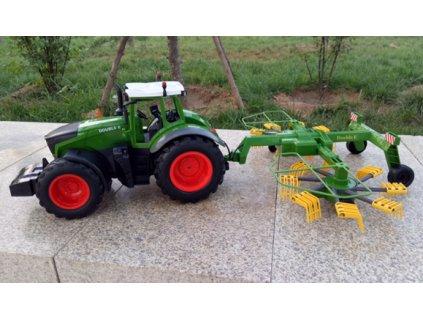 RC traktor s obracečkou