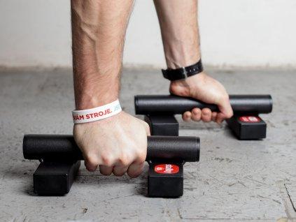 Mini kovové stálky české výroby WOCLUB STALKY XS. Ideální pro kliky, stojky, planche. Známe jako paralety, parallettes, mini bradla, nízké bradla, gymnastické bradýlka.