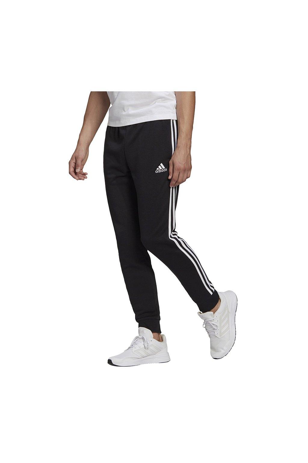 Pánske tepláky adidas Essentials Tapered Cuff 3 Stripes čierne GK8831