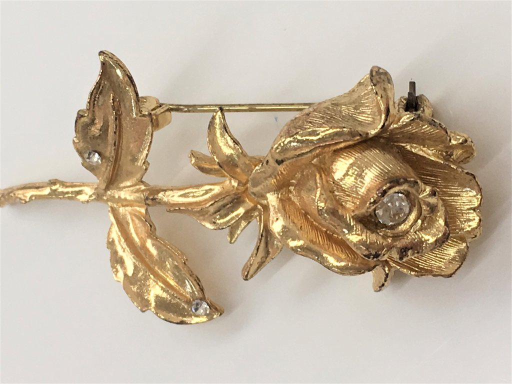 brož růže zlatá