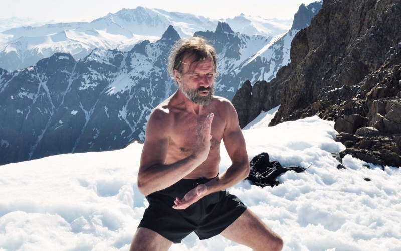 Wim-Hof-Method-The-Iceman-in-the-snow-Destintion-Deluxe