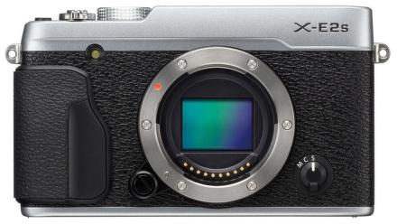 FUJIFILM X-E2s+cashback 1400,-Kč + dárková sada v hodnotě 2000kč + prodloužená záruka 30 měsíců Barva: stříbrná