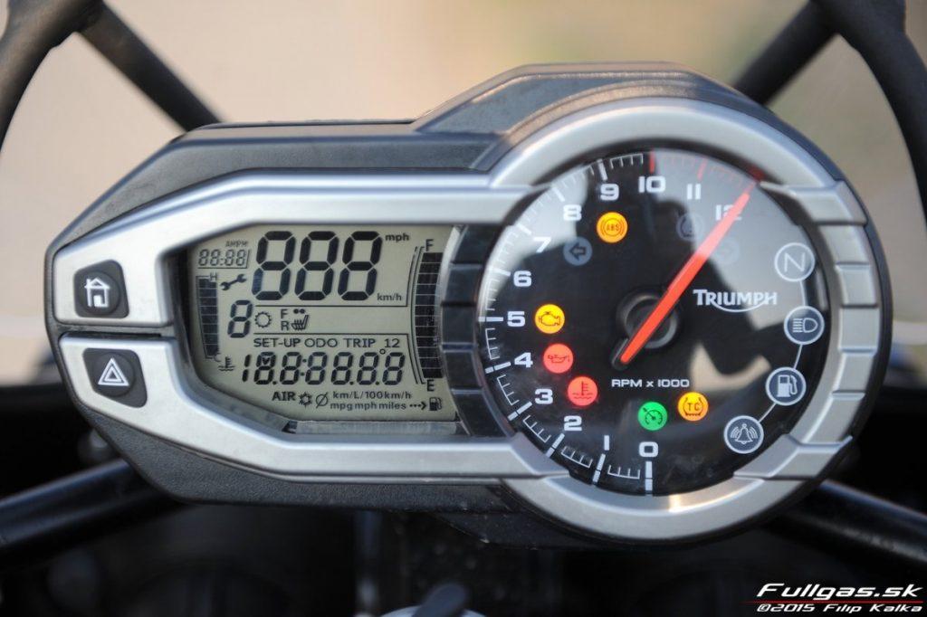 059-triumph_tiger_explorer_1200_www.fullgas.sk_filip_kalka_2015-1024x682