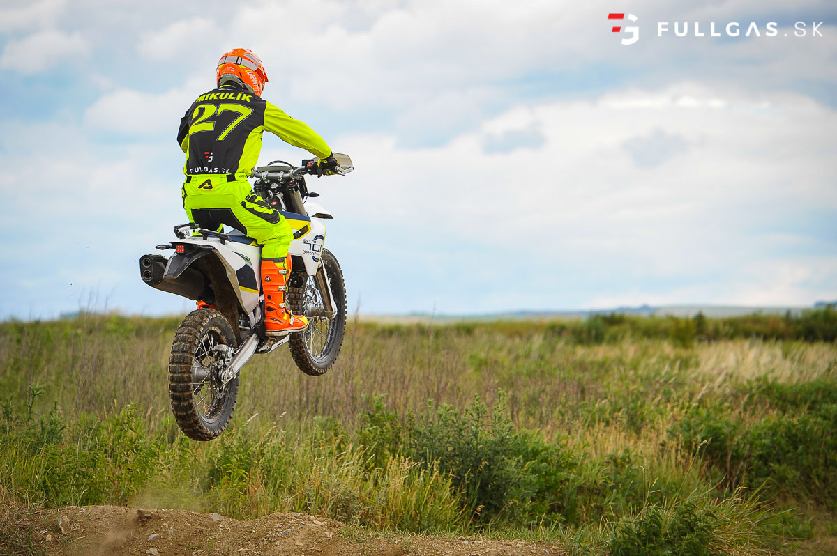 Husqvarna_701_enduro_2017_fullgas.sk_0016