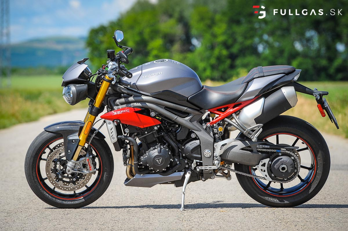 Triumph_Speed_Triple_2017_fullgas.sk_0001