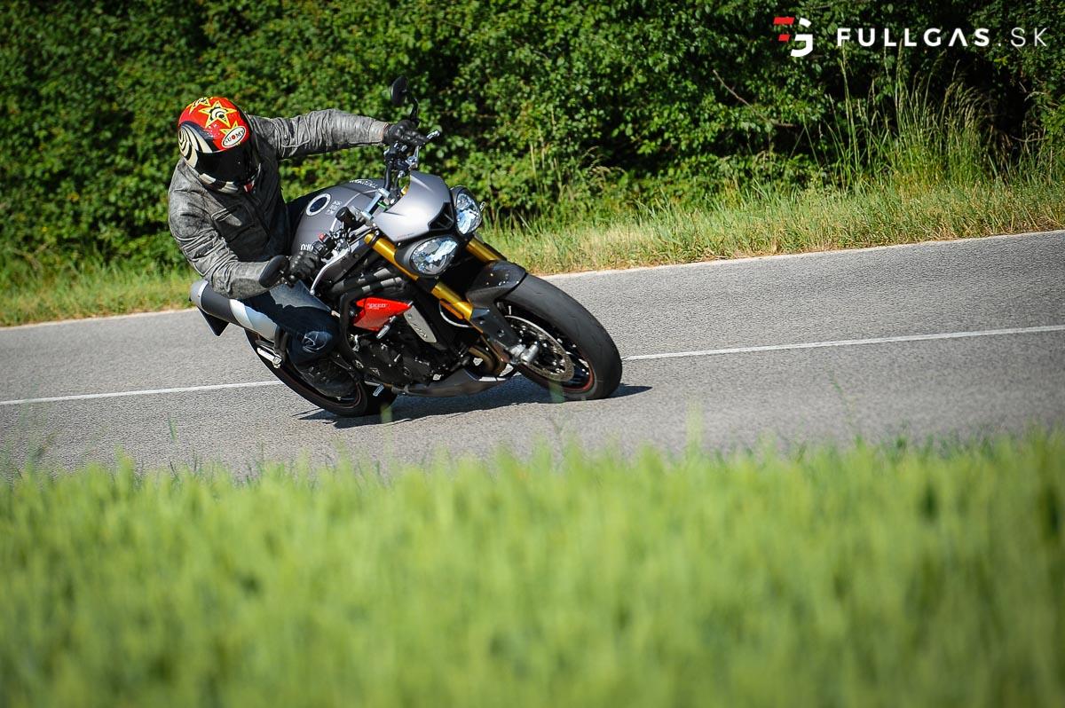 Triumph_Speed_Triple_2017_fullgas.sk_0147