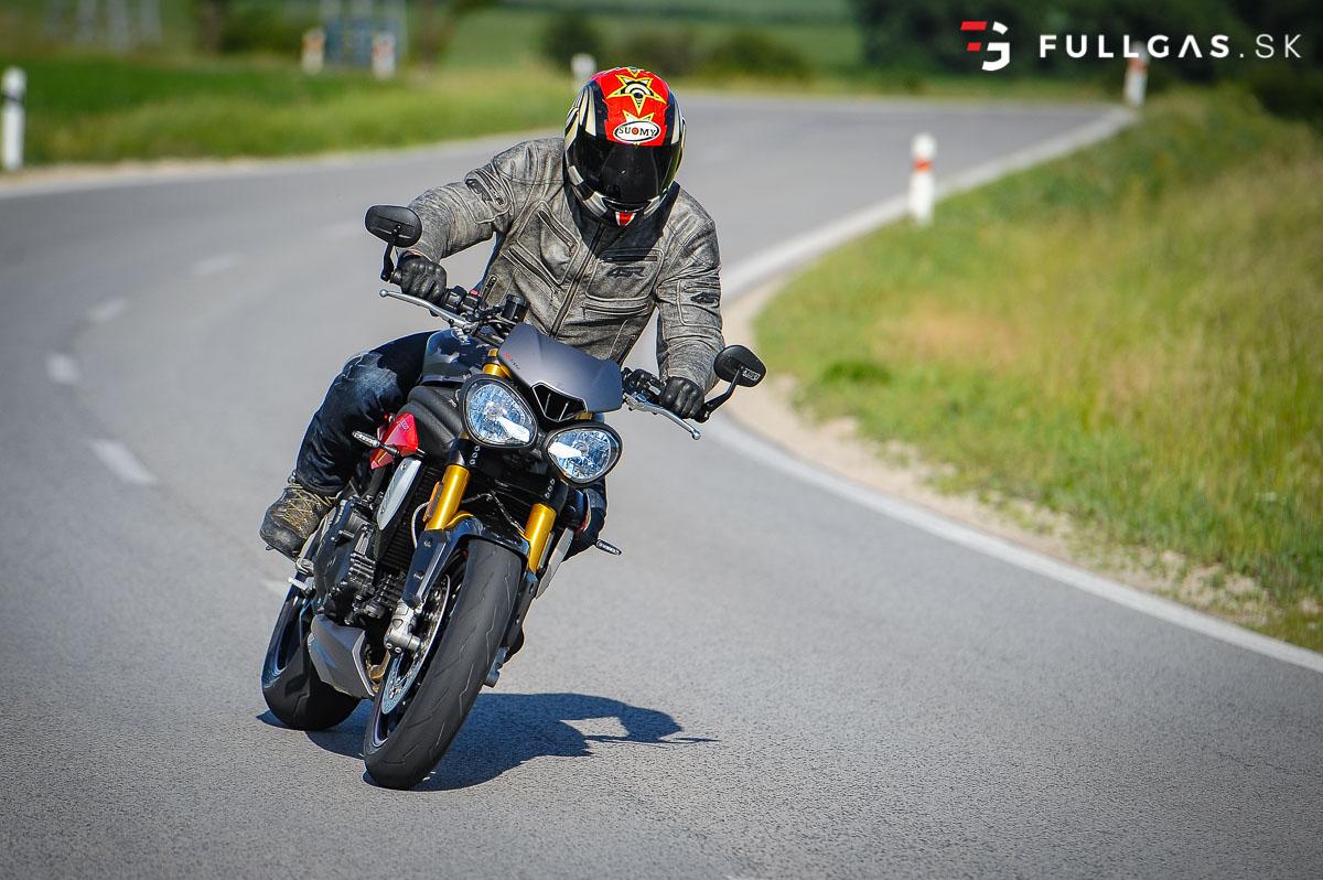 Triumph_Speed_Triple_2017_fullgas.sk_0165