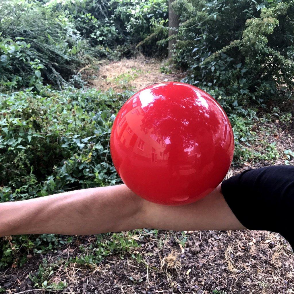 Megavelká kontaktní koule (Play)