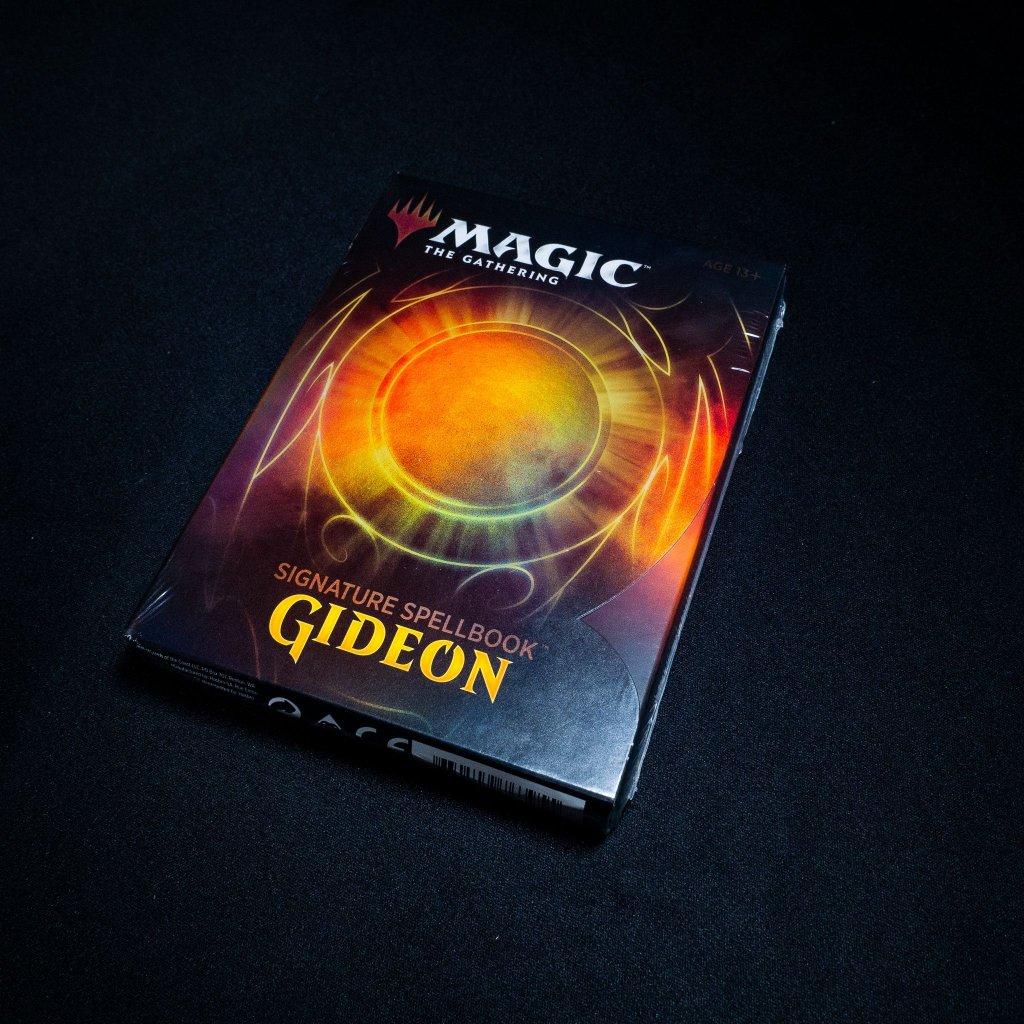 Signature Spellbook - Gideon MTG (Magic: The Gathering)