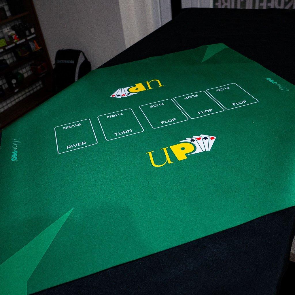 Ultra PRO Poker podložka 24x24