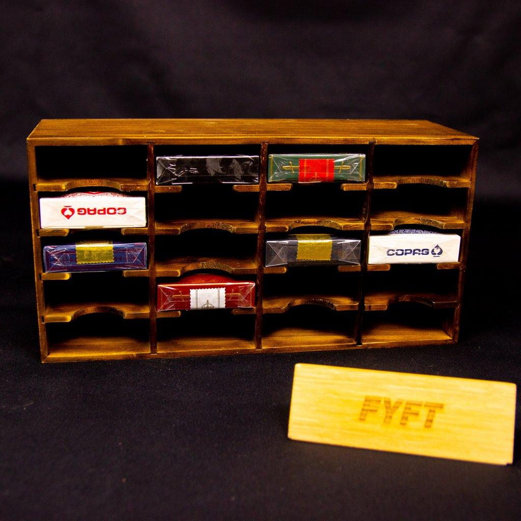 Dřevěná skříňka (stojánek) na karty