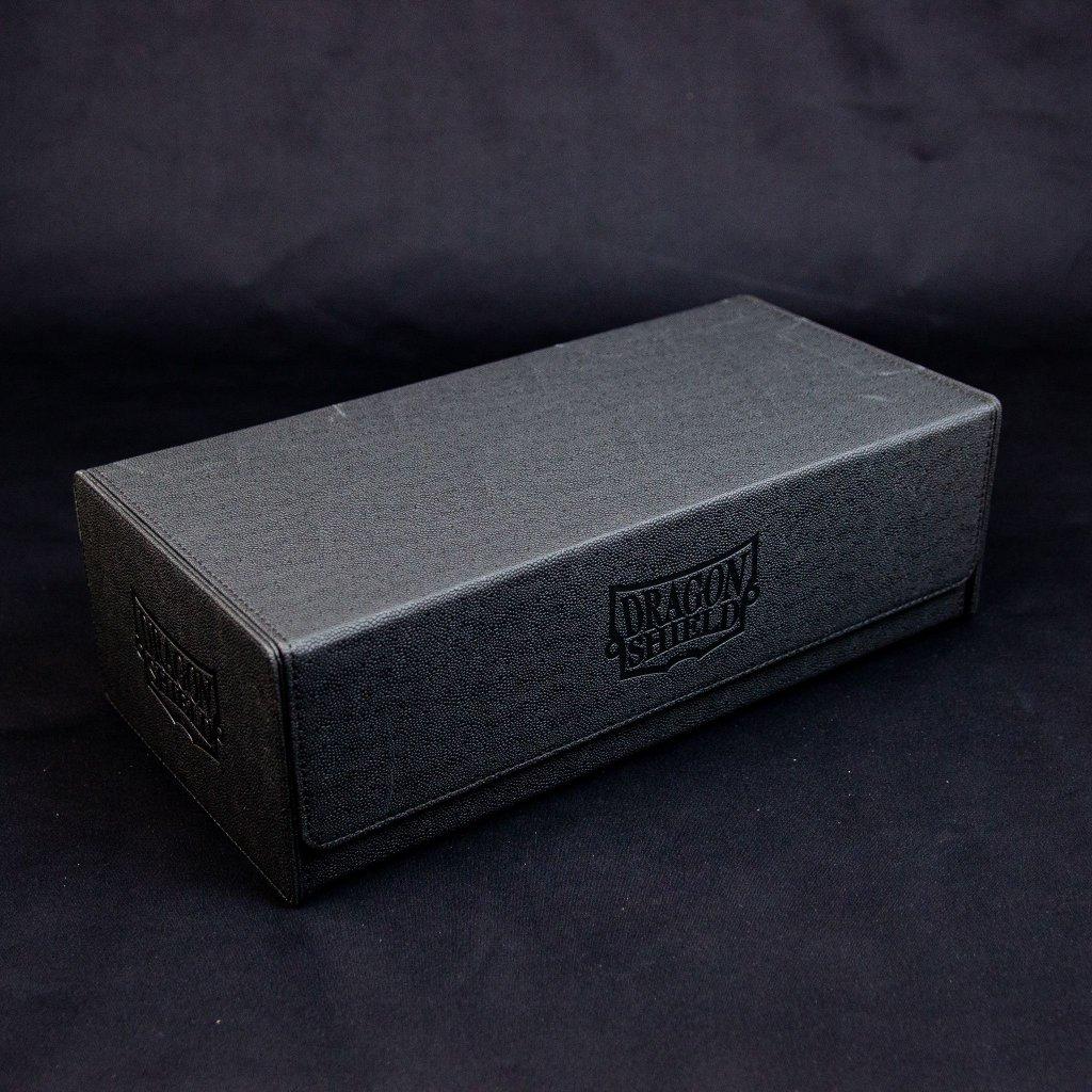 Dragon Shield Magic Carpet XL Black Critania, Omen of Ruin (MTG krabička na karty)