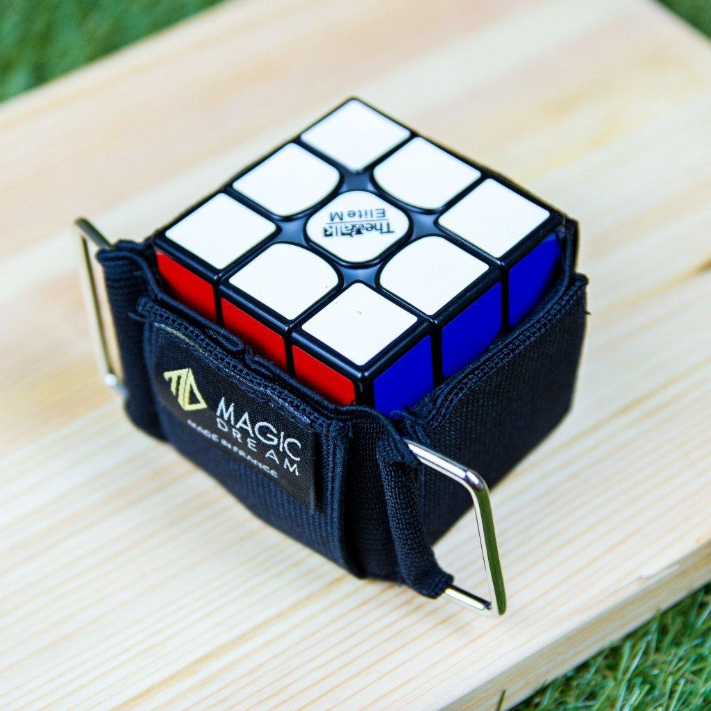 Cubelt - pouzdro na kostku k připnutí na opasek