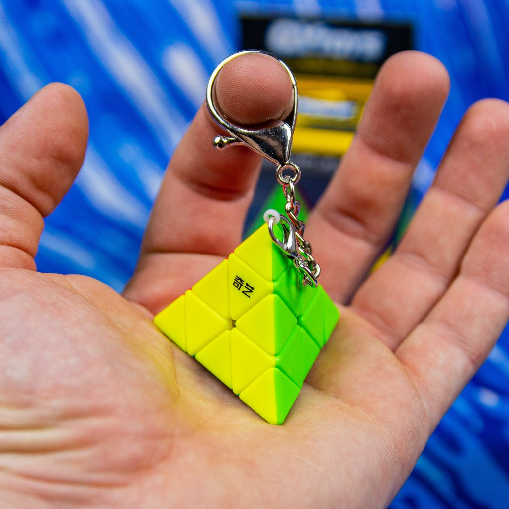 Pyraminx přívěšek/klíčenka (QiYi)