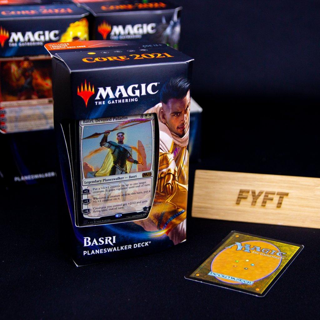 Basri Planeswalker deck Core set 2021 MTG (Magic: the Gathering))
