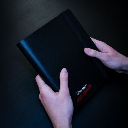 Album na karty Ultra PRO binder - malé (Magic: The Gathering)