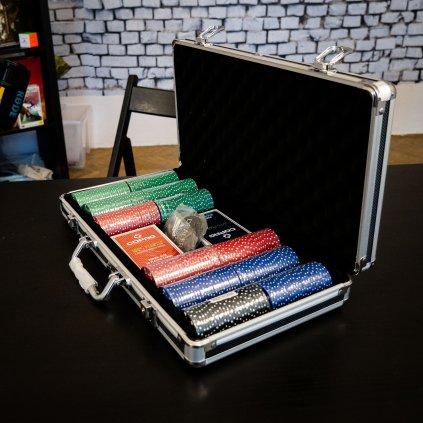 POKER SET - kufřík 300 žetonů, 2 plastových balíčků karet a buttonu