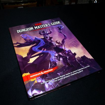D&D Dungeon Master's guide 5E (Dungeons and Dragons)