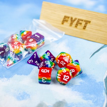 Set 7 duhových RPG kostek: D4, D6, D8, D10, D12, D20, D10%
