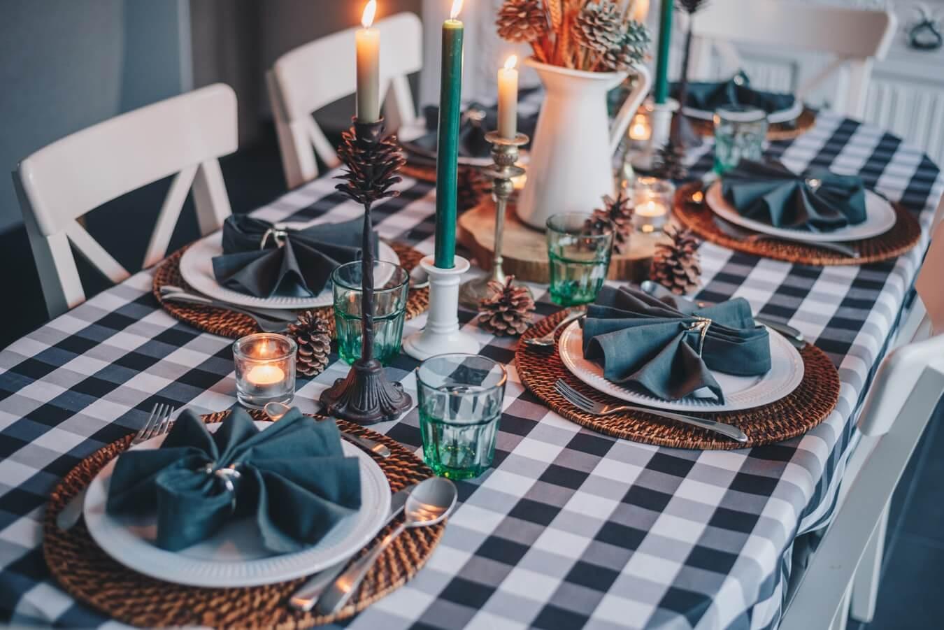 Obrusy ochránia váš stôl pred škrabancami a interiér osviežia farbami