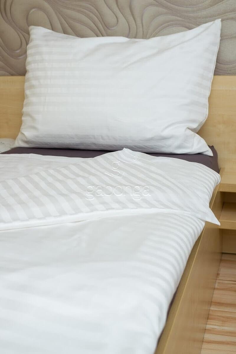pasikave-damaskove-biele-obliecky-na-postel-gabonga