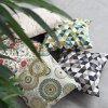 GADEO dekorační povlak na polštář TROJÚHELNÍKY zelené