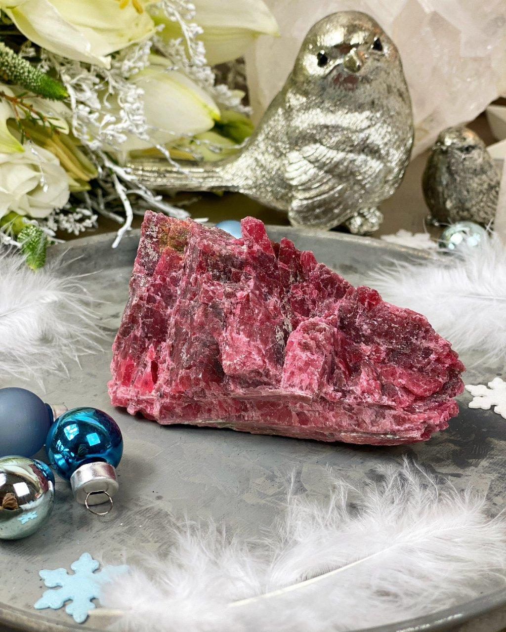 Luxusní drahý kámen rhodonit surový Peru AAA