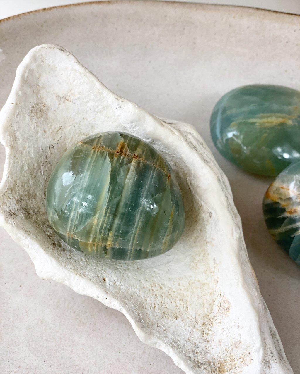Smaragdový kalcit hladký Mexiko