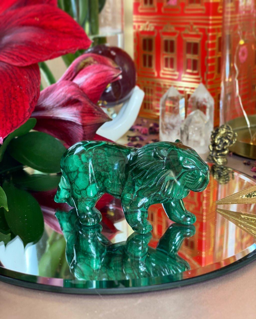 Broušená figurka z malachitu lev velký Kongo