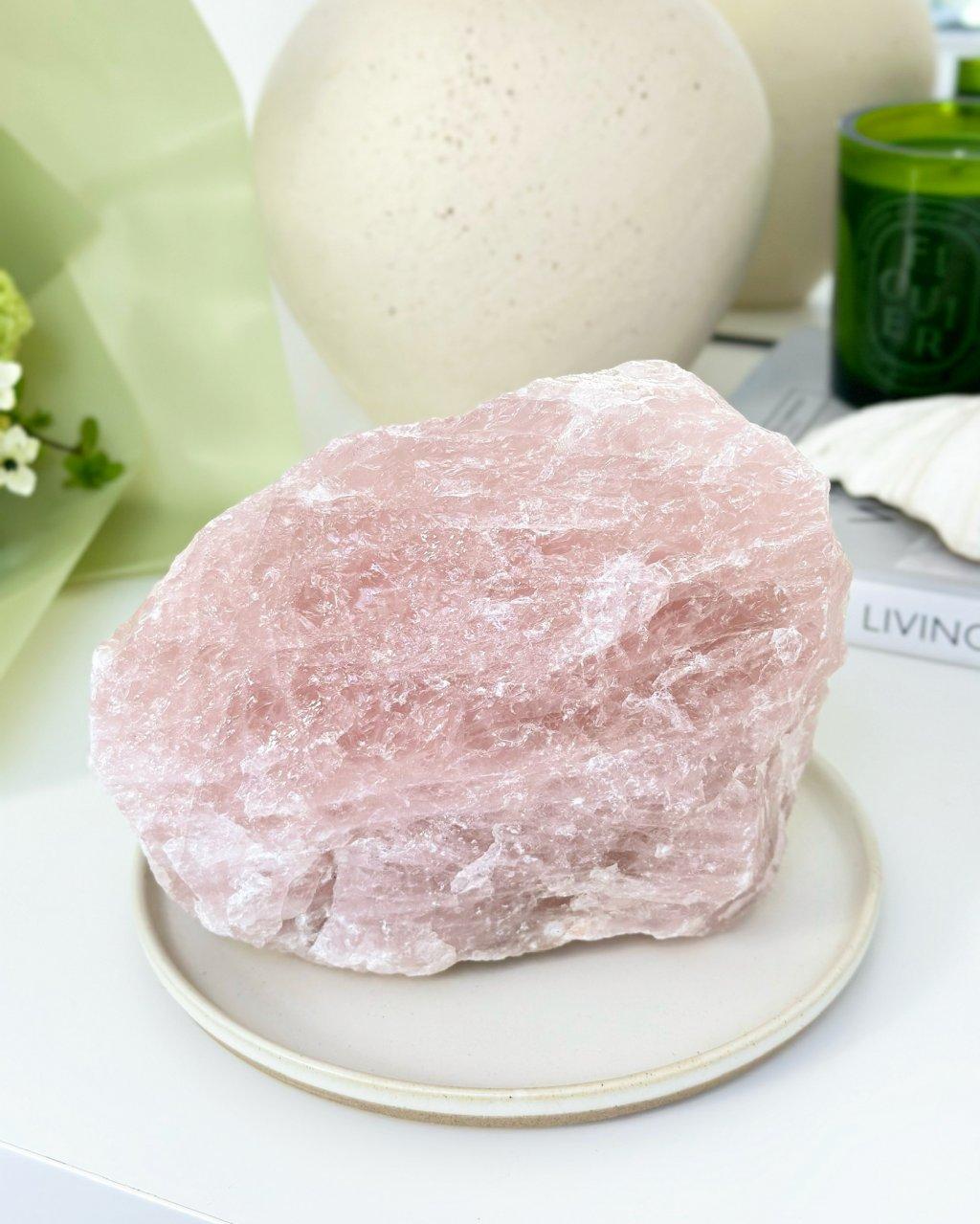 Růženín surový kámen 1,3kg Brazílie