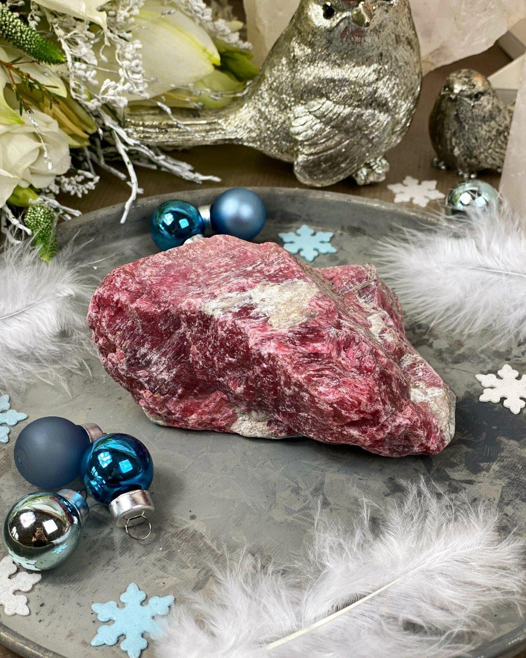 Luxusní drahý kámen rhodonit surový 0,5kg Peru