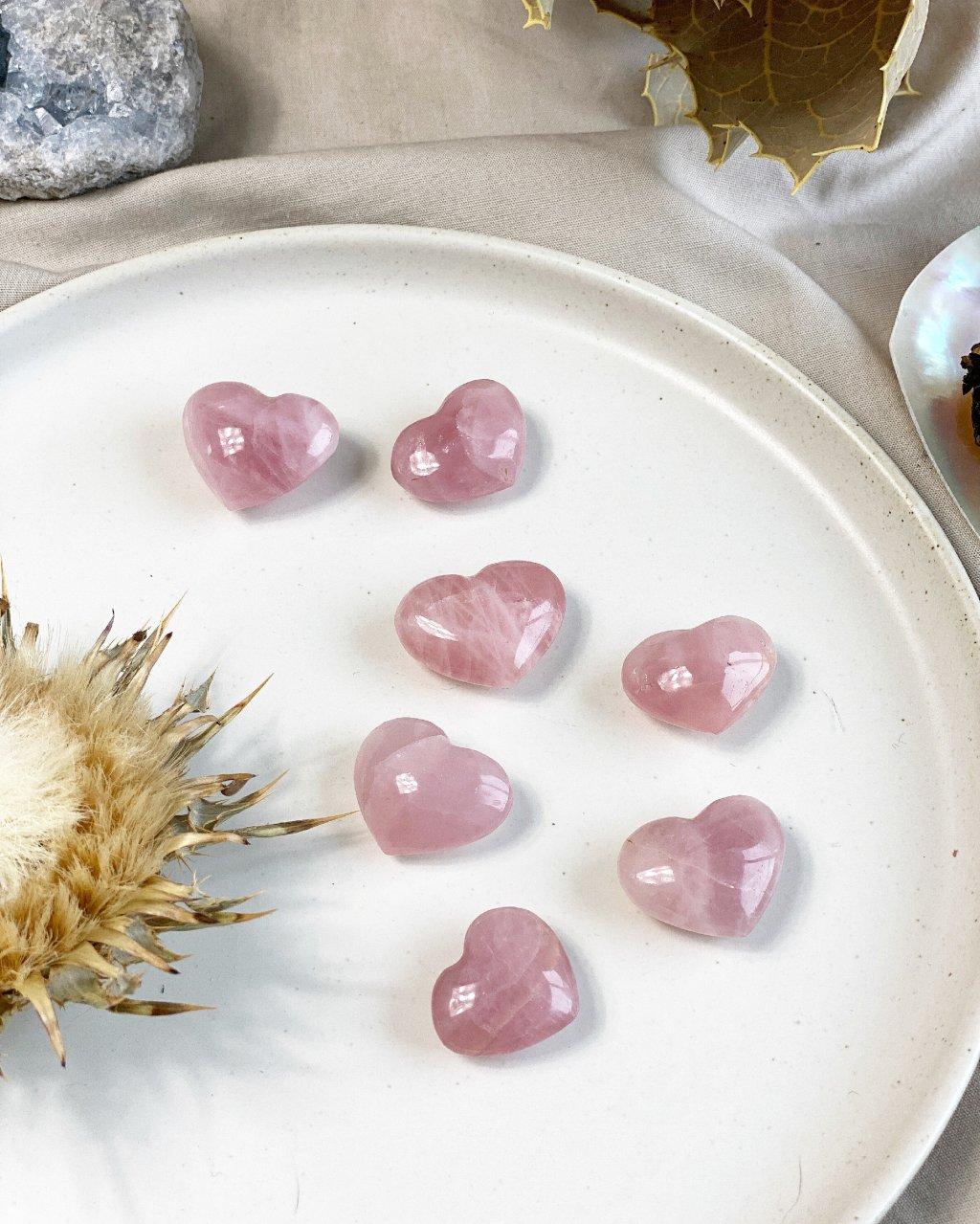 Kamenné srdce růženín broušený mini