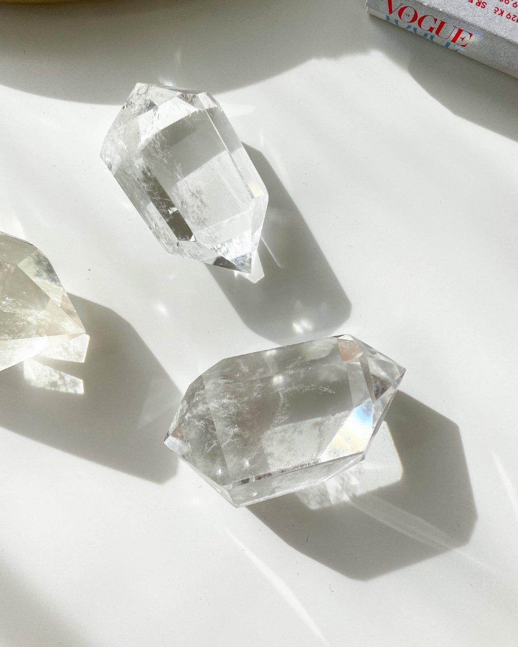 Křišťálové krystaly broušené oboustranné špice 65g
