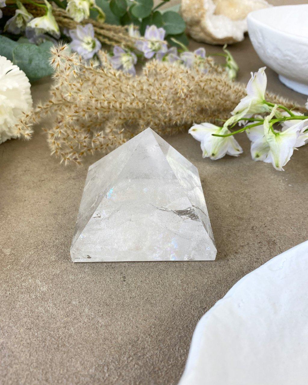Křišťál pyramida broušená 7cm Brazílie 291g