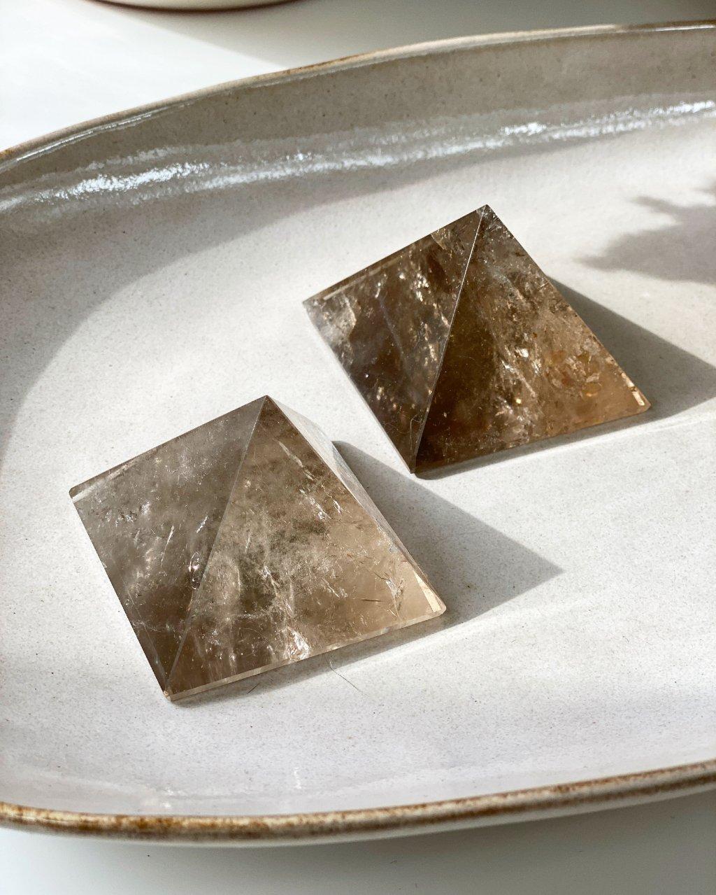 Pyramida z minerálu záhnědy 5,5cm Brazílie