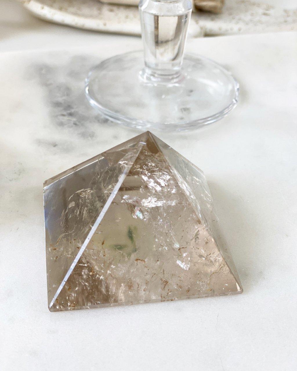 Pyramida z minerálu záhnědy 6cm Brazílie