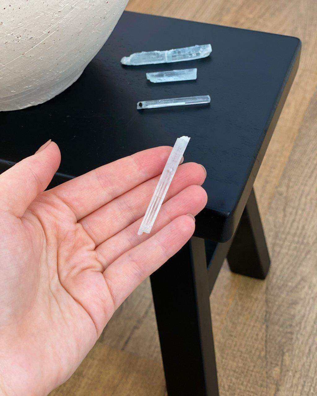 Akvamarín surový čirý krystal AAA Pákistán 8g