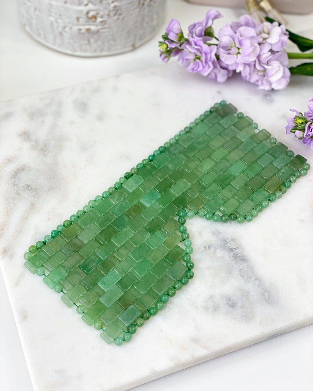Chladivá obličejová maska z minerálu jadeit zelený