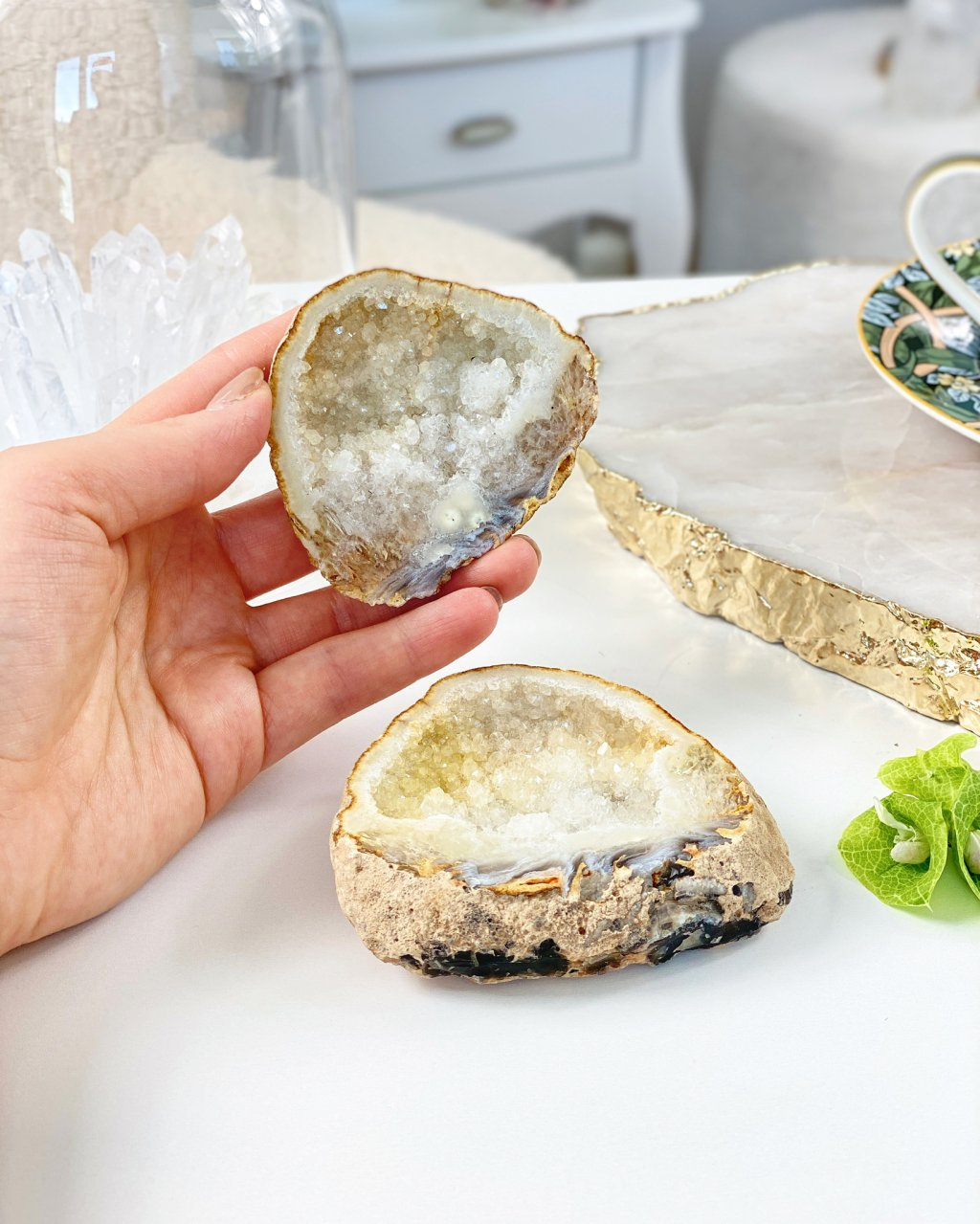 Achátová geoda s dutinou na šperky 106g