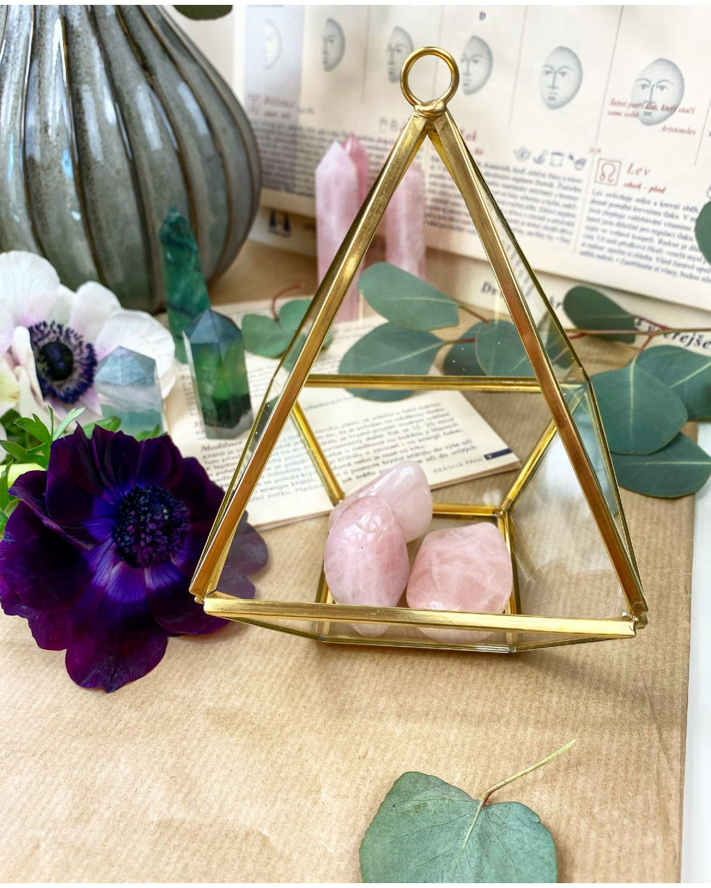 Skleněné terárium diamant závěsný se zlatým detailem
