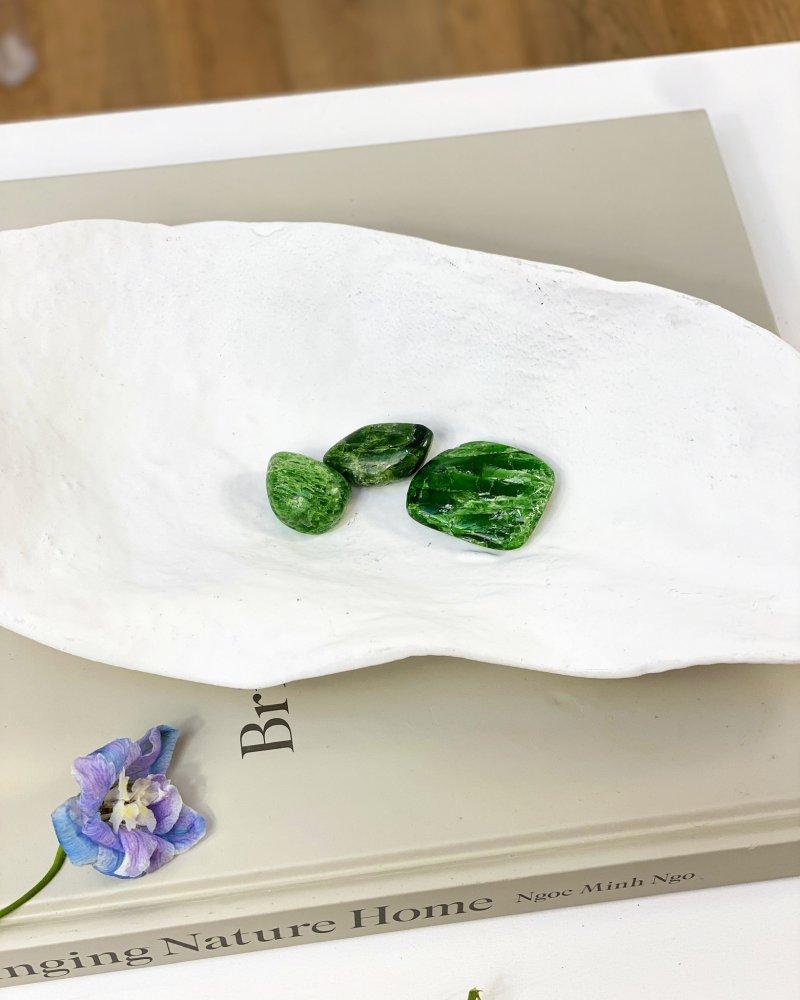 Minerál chromdiopsid surový Jakutsko AAA 101g