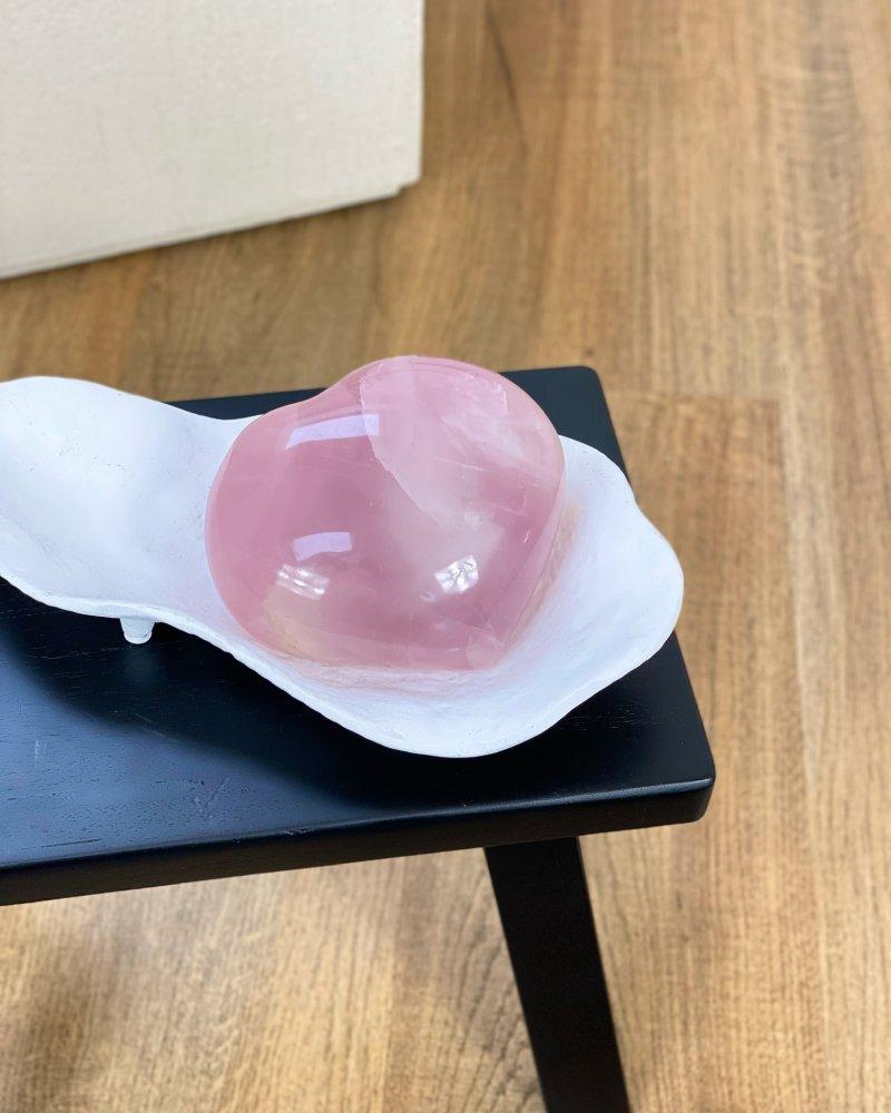 Kamenné srdce velké růženínové broušený