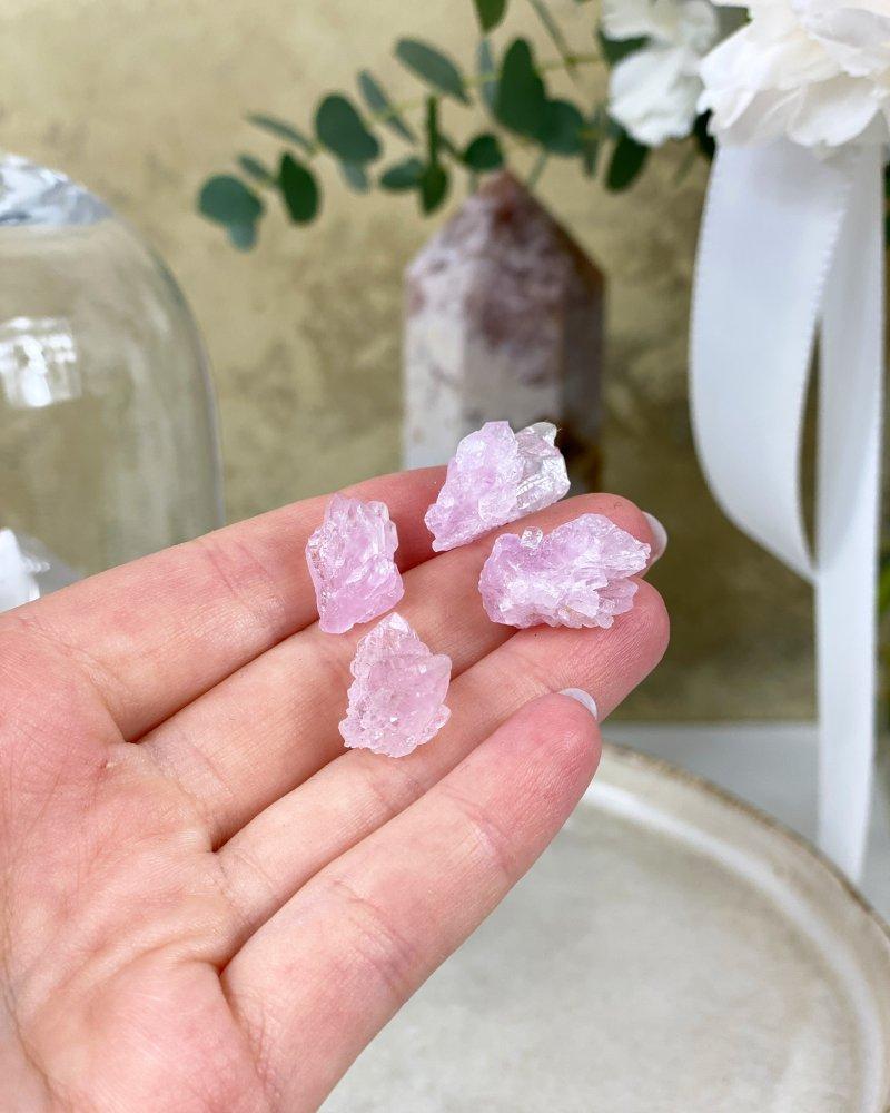 Růženín vzácné krystaly sbírkové Brazílie