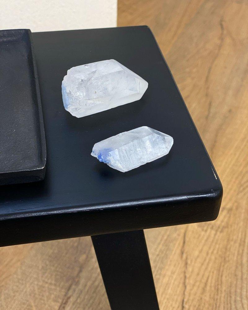 Polodrahokam dumortierit v křišťálu krystaly Brazílie AAA