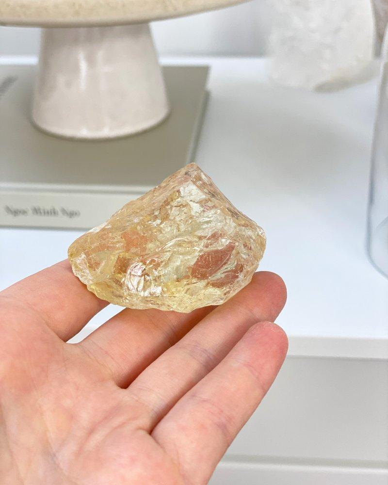 Luxusní citrínový krystal velký surový Kongo 350g